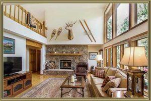 34144 Rock Creek Rd Living Room